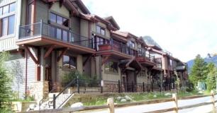 Marina Park condominiums Exterior